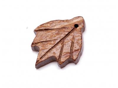 list z kokosového dřeva