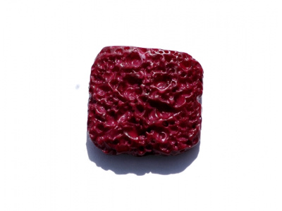 plastový korálek - imitace korálu
