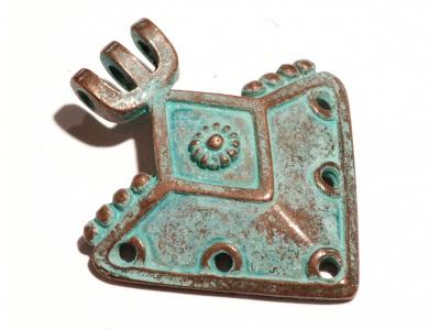 masivní kovový přívěšek