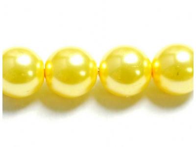 perly sytě žlutá